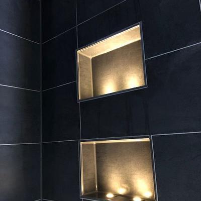 Fliesenverlegung in einer Dusche